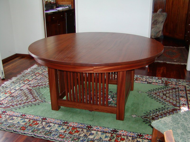 Craftsman Style Round Table